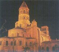 Blog de auvergnebassinauzonbrassac : Auvergne a travers les temps, L'art roman en Auvergne:La Basilique St Julien à Brioude(43)