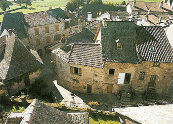Villes et villages de charme du Cantal Marcoles-1