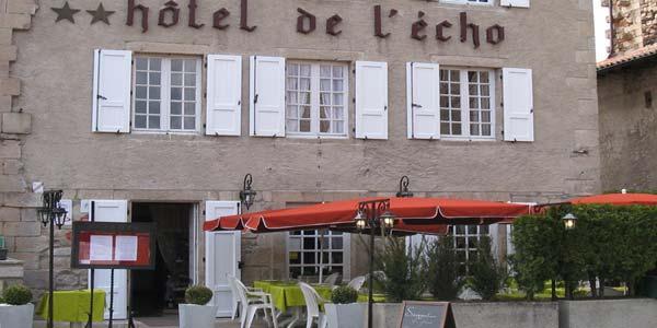 L 39 cho et l 39 abbaye a la chaise dieu haute loire - Hotel de l echo la chaise dieu ...